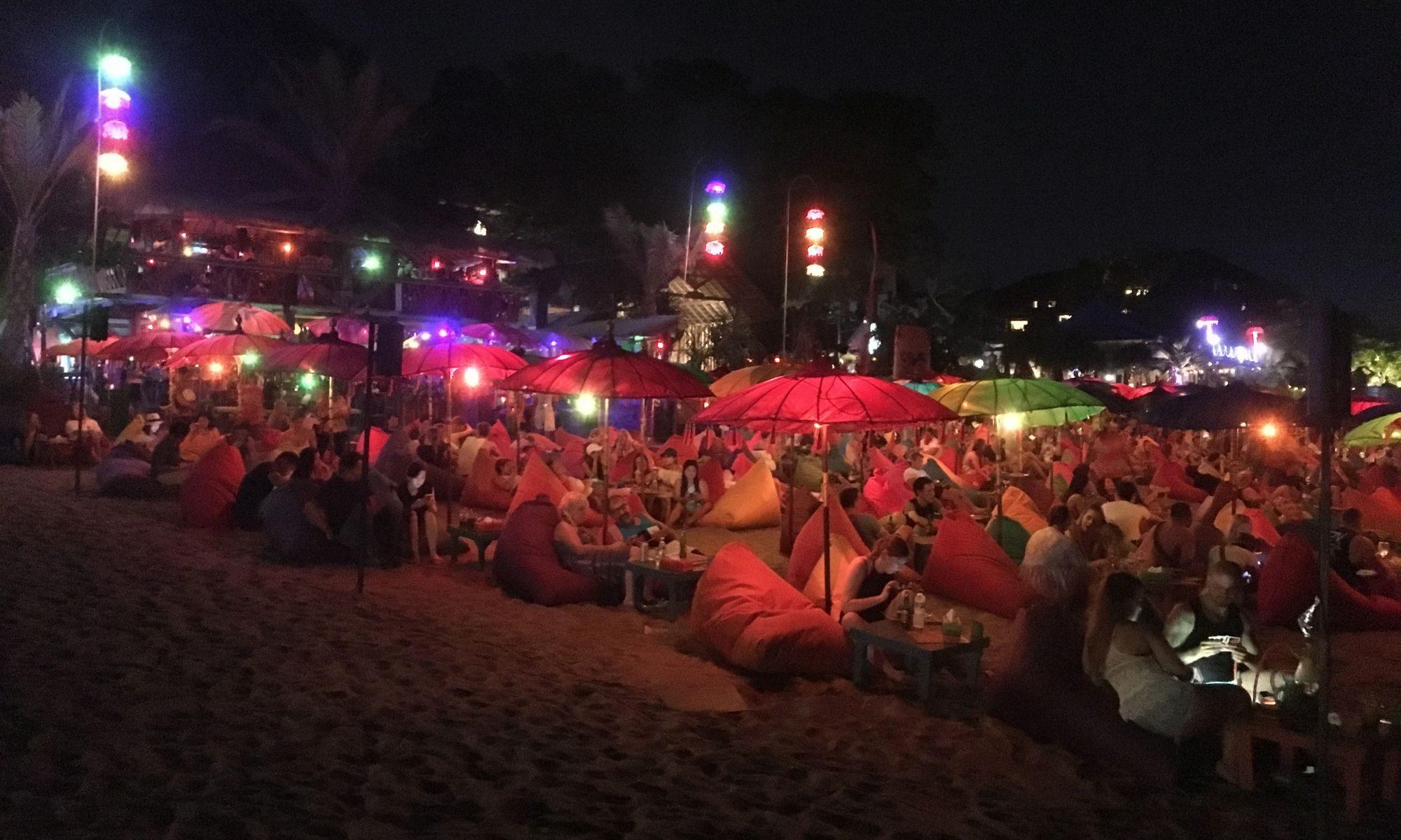 Seminyak - Beachclub bei Nacht