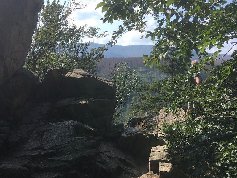 Obere Paternosterklippe mit Blick auf Brocken